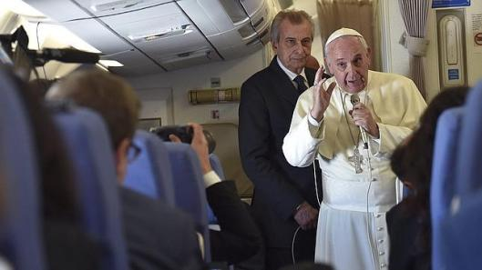 papa-francisco-avion--644x362