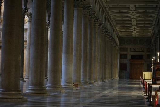 columns-322068_960_720