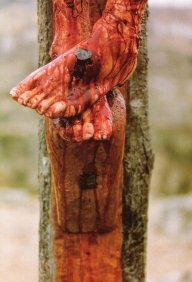 Jesús Crucificado - Clavo en los pies.jpg