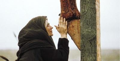 María al pie del Crucificado
