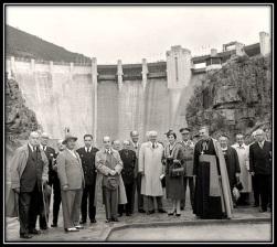 General Franco inagurando el pantano de Yesa