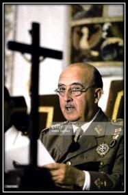 General Franco y Crucifijo