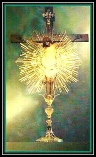 Jesús en la Custodia y en la Cruz