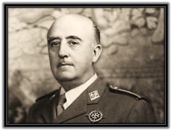 General Francisco Franco - medio cuerpo
