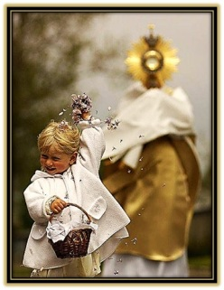Jesús Sacramentado - Niño ofreciendo flores