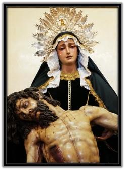 Virgen Dolorosa con Jesús en brazos
