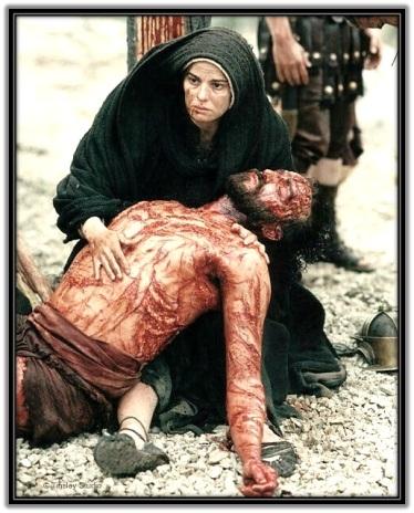 María con Jesús en brazos bajado de la Cruz