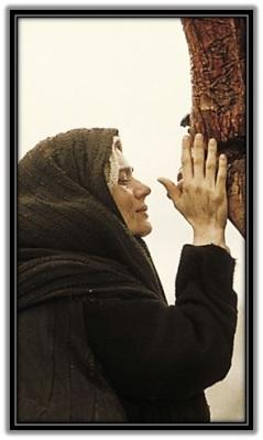 María junto a Jesús Crucificado