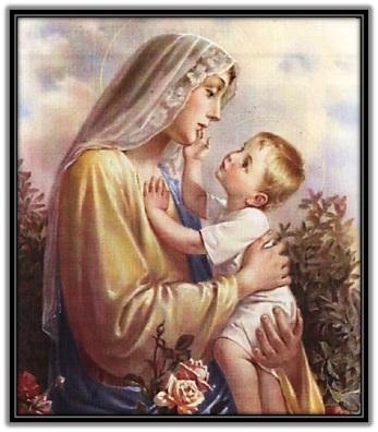 María y Niño Jesús acariciándola