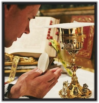 Consagración Cuerpo y Sangre de Cristo