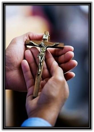 Crucifijo - manos