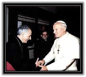 Obispo Guerra Campos y San Juan Pablo II