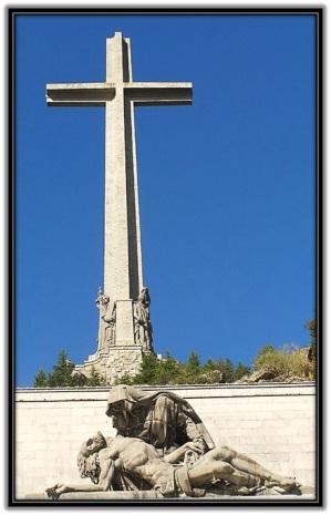 Cruz Valle de los Caidos y Virgen Dolorosa