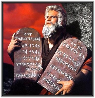 Moises y las Tablas de los diez Mandamientos